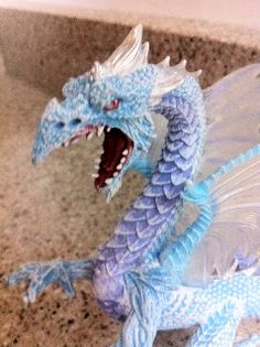 I bet my oldest would love this.  The Dragyn's Lair: Dragons! @SafariLtd #Giveaway #TFNY #TF13