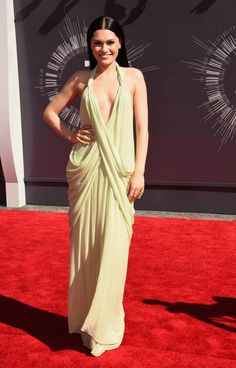 Red Carpet Vmas Jessie J Wears Grecian Gown On The Red Carpet.