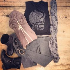 @Tiffany Adams this reminded me of you cause the boots and scarf lol I can see you rocking this  ;)