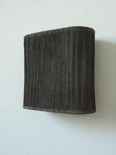 Heiko Räpple: Applaus (HR/S 5), 2010, Plaster, Pigment, Steel