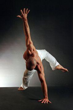 Floating Wild thing or floating flip dog! So fun! Yoga For Men, Yoga Man, Beautiful Yoga Poses, Asana, Yoga Meditation, How To Do Yoga, Yoga Inspiration, Yoga Fitness, Martial Arts