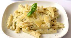 Pestós tészta Penne, Pasta Salad, Chicken, Meat, Ethnic Recipes, Food, Italia, Crab Pasta Salad, Essen