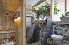 Wellness ganz privat - Badezimmer mit eigener Sauna im Bauernhaus // Private wellness - Bathroom with sauna in the cottage Private Sauna, Sauna House, Finnish Sauna, Relaxation Room, Cottage, Wellness, Bathroom, Relaxing Room, Modern Farmhouse