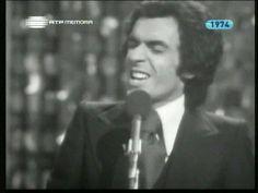 """Paulo de Carvalho interpreta """"Flor Sem Tempo"""" no Festival RTP 1971, classificando-se em 2º lugar com 69 pontos."""