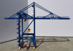 looking for Container Crane | Model Railroad Hobbyist magazine | Having fun with model trains | Instant access to model railway resources without barriers