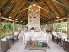 The best of Cape Town and a safari wilderness experience interspersed with regular spa wellness sessions. get an instant online quote for this utter luxury holiday >> Cape Town, Henri Viii, Beste Hotels, Private Games, Antique Interior, Diy Interior, Inexpensive Wedding Venues, Beach Bungalows, Luxury Camping