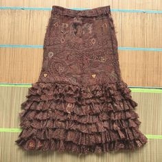 Size 38 Exquisite Traditional Embroidery Art Fashion Style Gray Skirt Wool Mixed Gerard Darel In Very Good Condition Clothing, Shoes, Accessories