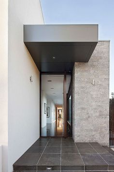 Best Ideas For Modern House Design & Architecture : – Picture : – Description modern and modern can be. Design Exterior, Door Design Interior, Entrance Design, House Entrance, Modern Exterior, Modern Entry, Grand Entrance, Contemporary Architecture, Architecture Details