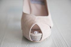#Wedding #accessories #boda #novia #madeinspain #peeptoe #shoes #zapatos #peeptoes #scarpe #schuhe #chaussures #original #moda #fashion #eshop JorgeLarranaga.com