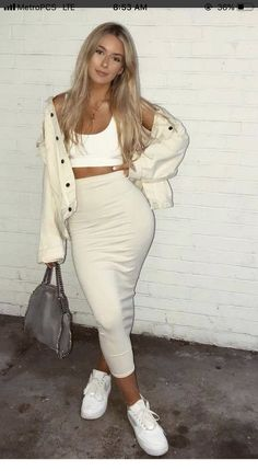 White outfit that I like - ChicLadies. Fashion Killa, Look Fashion, Fashion Outfits, Fashion Trends, Womens Fashion, Classy Outfits, Stylish Outfits, Mein Style, Looks Style