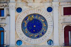Toutes vos prédictions astrologiques de la semaine du 20 au 26 septembre 2021 sont à découvrir dans votre horoscope général des influences énergétiques des jours à venir réalisé pour les 12 signes du zodiaque par le célèbre médium Nicolas Duquerroy disponible au 06.58.44.40.82 pour une voyance privée par téléphone . Virgo Y Libra, Chakras, Signes D'air, Le Zodiac, Your Horoscope, Zodiac Horoscope, Horoscope Compatibility, Monthly Horoscope, Pisces