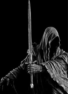 Lord of the Rings . A Nazgul, a ring wraith, one that is neither living or dead, once a great king of Men, now a slave to his greed. Don't Fear The Reaper, Grim Reaper, Fellowship Of The Ring, Lord Of The Rings, Dark Fantasy Art, Dark Art, Reaper Tattoo, White Tattoos, Fairy Art