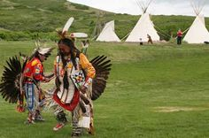 native-american-dancers-perform-at-dedication-of-new-native-american-village-at-this-is-the-place-heritage-park.jpg (450×298)