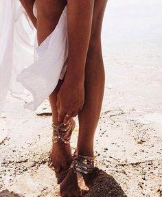 Trouwen met de voeten in het zand   voet accessoires