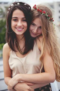 """""""A good friend is a connection to life - a tie to the past, a road to the future, the key to sanity in a totally insane world."""" ― Lois Wyse"""