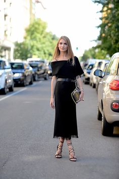 Off-the-shoulders dress during Milan Fashion Week Spring 2016 | Style | All black | Harper and Harley