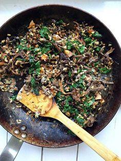 Gryn-otto med svamp och belugalinser