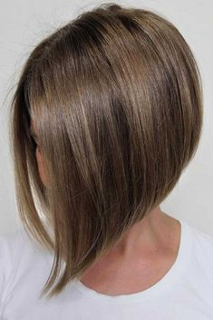 60 Gorgeous Gray Hair Styles Ash Blonde Bob With Highlights Feathered Hairstyles, Hairstyles With Bangs, Messy Hairstyles, Wedge Hairstyles, Updos Hairstyle, Hairstyles 2018, Beehive Hairstyle, Brunette Hairstyles, Gorgeous Hairstyles