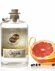 Steam Gin is a unique small scale Belgian Gin. Filled with flavor and know-how, Steam gin will convince your taste buds with citrusy delight. A real treat! Premium Gin, Gin Recipes, Gin And Tonic, Taste Buds, Distillery, Flask, Perfume Bottles, Alcohol, Fruit