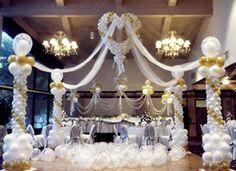 Wedding dancefloor created by Winn & Lindy Bell for Qualatex