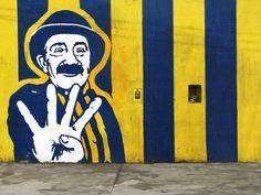 gran mural canaya por canaya - La Hinchada - Fotos de Rosario Central, La galería de fotos más extensa de hinchada canalla. Compartí tus fotos de Rosario Central Milanesa, Art Deco, Photo And Video, Stickers, Live, Street, Google, Sport, Rosary Tattoos