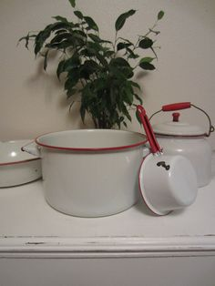 On Sale Country Kitchen 12.5 inch Bowl Rustic Red and White Enamel Ware Vintage Kitchen Farmhouse Decor