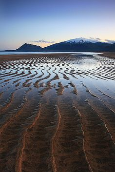 Snæfellsjökull by orvaratli, via Flickr Snaefellsnesog Hnappadalssysla, IS.