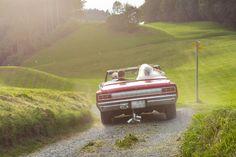 #fotoelvey #swisswedding #schweizerhochzeit #swissweddings #swissweddingphotographer #switzerland #destinationwedding #hochzeit #schweiz #weddingcar #weddingtransport #oldtimer #classiccar