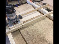 Wood slab flattening: Using a handheld router - YouTube