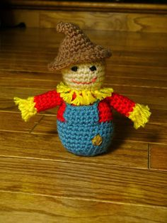 Pop this crochet scarecrow in your candy basket to great Trick Or Treaters. Pattern by Sanity by Stitches.  It's a great project for Vanna's Palettes or Bonbons.