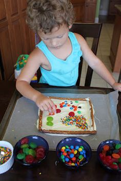 Edible Art Frames | Activities For Children | Clay and Crafts, Cooking, Edible Activities, Rainy Day Play | Play At Home Mom
