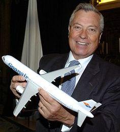 Imagen de archivo del presidente de Spanair, Gonzalo Pascual, en enero de 2005. (Foto: EFE)