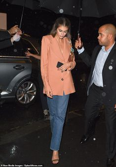 Kaia Gerber looks chic as she attends Miu Miu post-show dinner hours after hitting the runway at PFW Fashion Week Paris, New York Fashion, Star Fashion, Fashion Models, Winter Fashion, Fashion Outfits, Fashion Weeks, London Fashion, Fashion Shoes