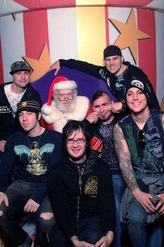 Santa and A7X                                                                                                                                                                                 Mais