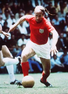 Bobby Charlton is England's record all time goal scorer England National Football Team, England Football, National Football Teams, School Football, Sport Football, Bobby Moore, Bobby Charlton, Bristol Rovers, Nfl