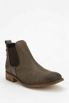 Steve Madden Gilte Ankle Boot - Urban Outfitters