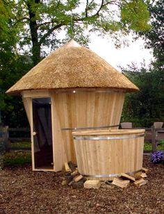 Private Sauna in garden plus Japanese Hot tub Diy Sauna, Backyard Plan, Backyard Pools, Pool Decks, Barrel Sauna, Sauna Design, Design Design, Interior Design, Natural Swimming Pools