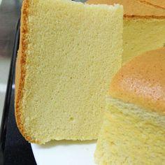 Cheese Sponge Cake Ingredients: 6 egg yolks butter sugar milk cream cheese Cake flour Corn flour 6 egg whites sugar tsp cream of tartar Utensil: round, bo… Sponge Cake Easy, Sponge Cake Roll, Lemon Sponge Cake, Sponge Cake Recipes, Italian Sponge Cake, Strawberry Sponge Cake, Lemon Drizzle Cake, Chocolate Sponge Cake, Cold Cake