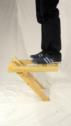 Gallery of Chair In Balance / Ulises Ruiz – 10 – Woodworks Woodworking Furniture, Pallet Furniture, Woodworking Crafts, Woodworking Shop, Woodworking Plans, Furniture Design, Diy Wood Projects, Wood Crafts, Bois Diy