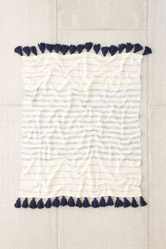 4040 Locust Slidell Throw Blanket - Urban Outfitters