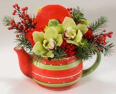 HOLIDAY TEAPOT:  A festive arrangement in a fun teapot, a perfect gift for Christmas!     #MatlackFlorist