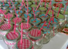 Cupcake liners + mason jars + plastic straws= great for outdoor entertaining