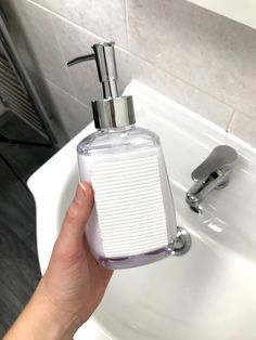 Declutter your bathroom with this easy bathroom organisation hack! Clear clutter from around your sink by sticking bathroom accessories like soap dispensers and toothbrush holders to the wall with VELCRO® Brand Heavy Duty Tape. This bathroom organisation idea is guaranteed to make your sink so much tidier! #declutter #decluttering #organisation #organising #organised #bathroomorganisation #bathroomideas #bathroomhacks #lifehacks #bathroomdecor Organisation Hacks, Bathroom Organisation, Toothbrush Holders, Bathroom Hacks, Soap Dispensers, Hook And Loop Fastener, Neat And Tidy, Simple Bathroom, Organising