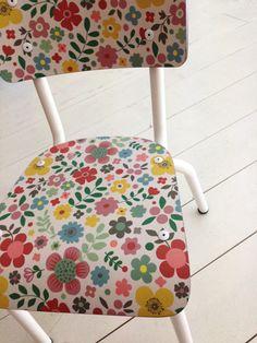 10 ans Mini Labo - Chaise Little Suzie Les Gambettes - Mini Labo, Mes Habits Chéris - kidstore Récréatif - Décoration enfant