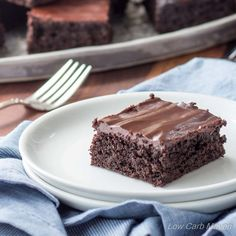These Fudgy Keto Brownies from The KetoDiet Cookbook are really delicious! | low carb, keto, thm, dairy-free option