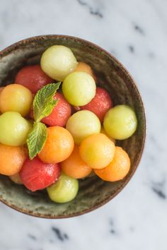 Vodka-Infused Melon Balls ~ Turn Melon Balls into a Boozy Party Treat. Sweet melons are infused in a bath of vodka, pear juice, and a touch of coconut sugar. Fruit Recipes, Dessert Recipes, Cooking Recipes, Fruit Dips, Fruit Salad, Melon Recipes, Drink Recipes, Cooking Tips, Salad Recipes