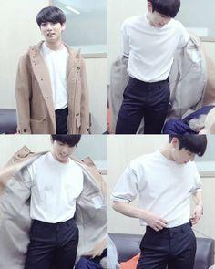 13.1K vind-ik-leuks, 25 reacties - BTS JUNGKOOK [ 전정국 ] (@officialjungkook) op Instagram: 'he has a smaller waist than me .I'm jealous ㅡAnna ㅤ ㅤ ㅤ ;# Tag your friend and like my recent…'