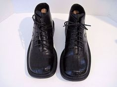 Kenneth Cole Made in Italy Black Leather Square Toe Tie Ankle Boot Men's Size 42…