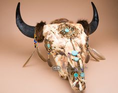 This is an exceptionally beautiful Native American buffalo skull wall hanging with a hand woven Indian dreamcatcher in the center and in the eyes. This is a real buffalo skull and also features genuin Bull Skulls, Deer Skulls, Animal Skulls, Deer Antlers, Deer Decor, Skull Decor, Skull Art, Skull Head, Native American Headdress