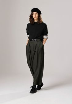 Sports Trousers, Trousers Women, Off White Shop, Japanese Fashion Designers, Mein Style, Margaret Howell, Autumn Fashion, Cute Outfits, Normcore